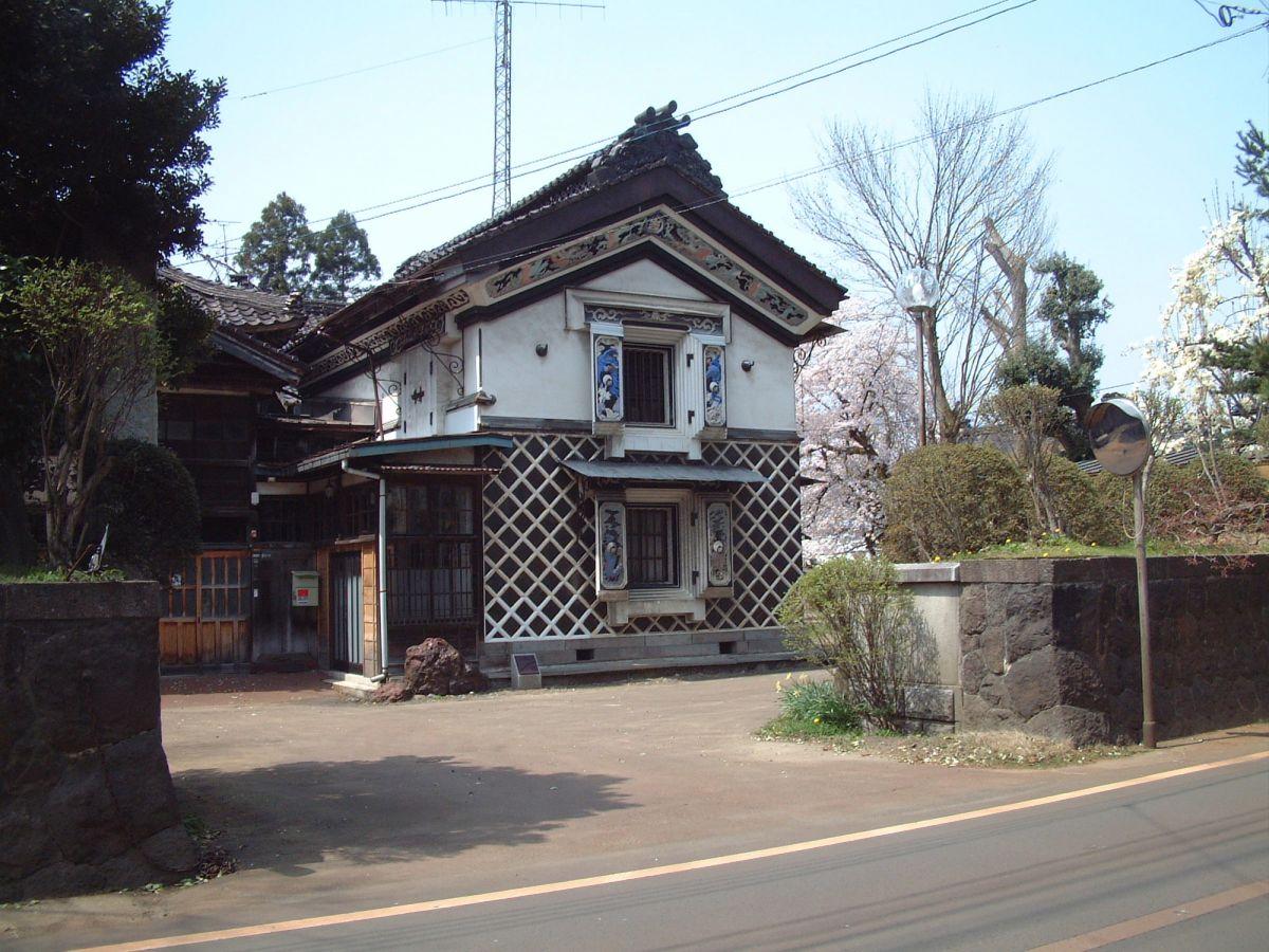 長岡市に現存するサフラン本舗